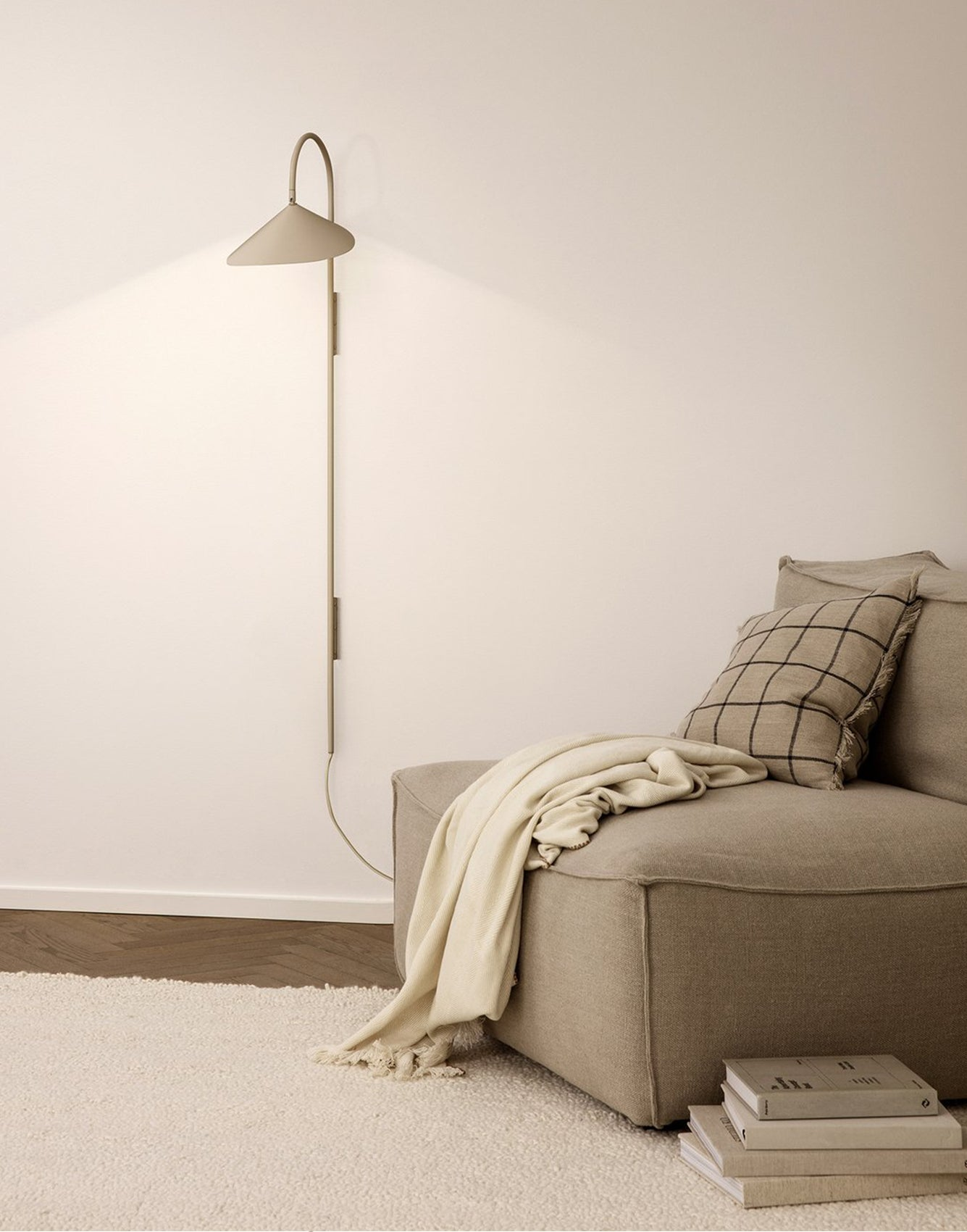 Ferm Living Arum Tall Wall Lamp Cashmere