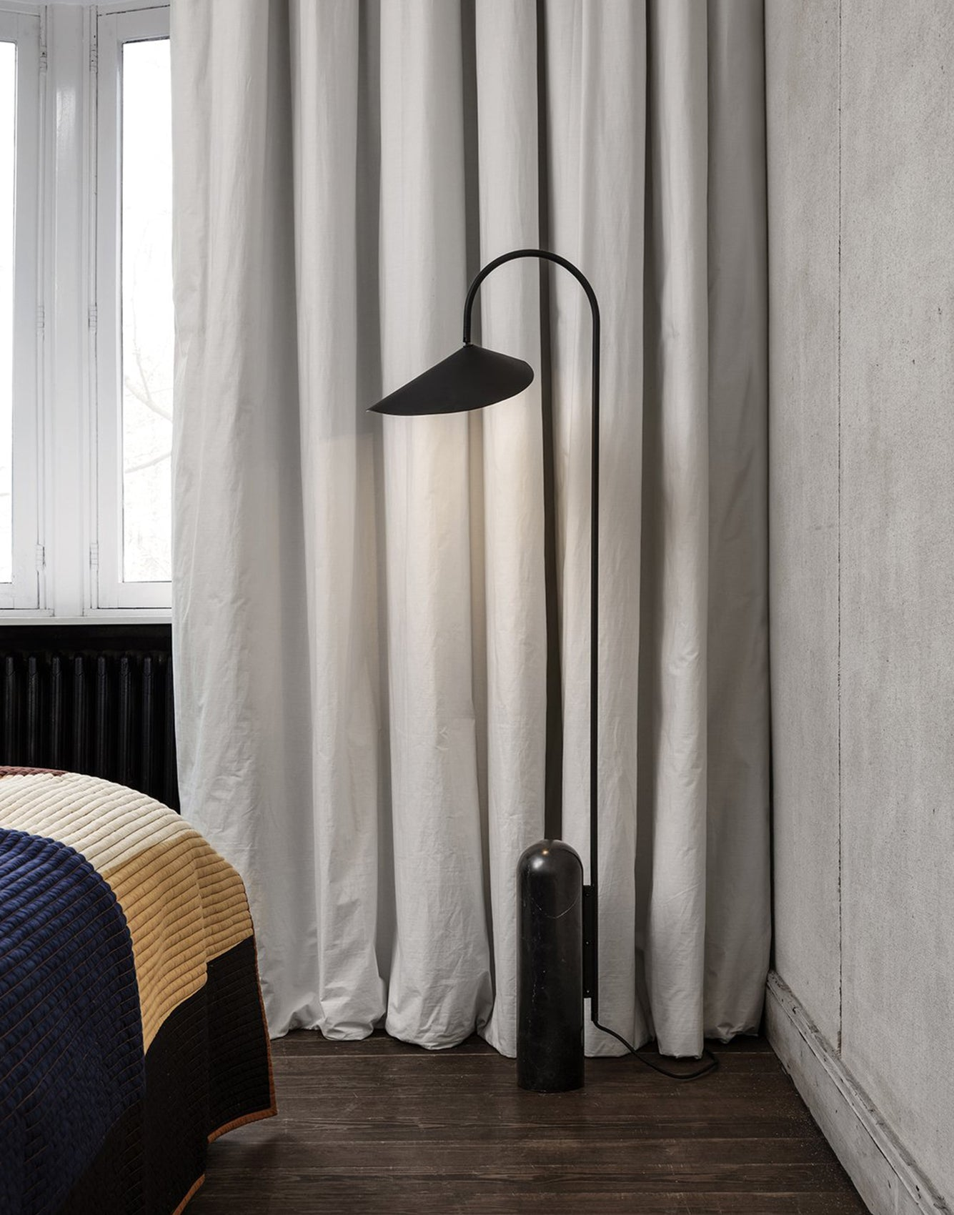 Ferm Living Arum Floor Lamp Black