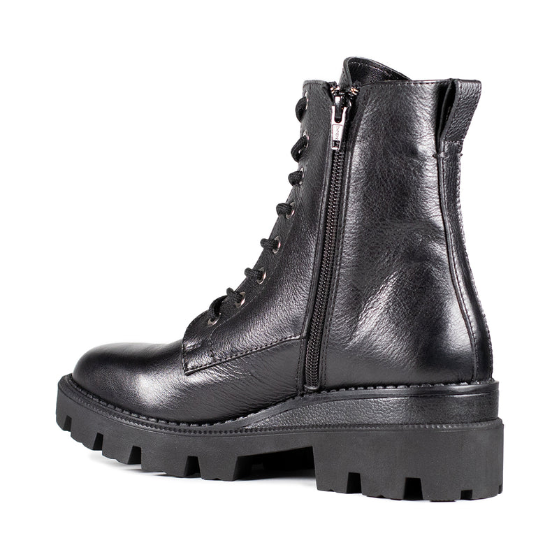 KELLY BOOTS