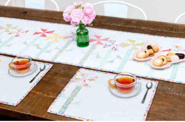 PINWHEEL POSIES TABLE RUNNER AND MATS - table runner pattern