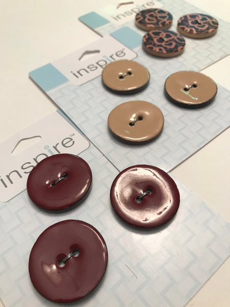 ROUND TWO HOLE BUTTON 30MM (3 PACK) - inspire buttons