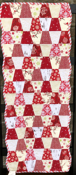 TABLE RUNNER - red and cream Christmas
