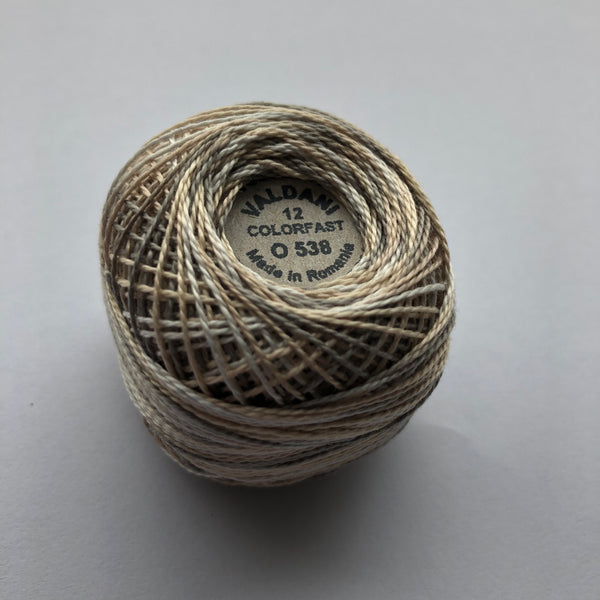 VALDANI (O538 COTTAGE SMOKE SMOKY WHITE) 100M - pearl cotton thread Size 12