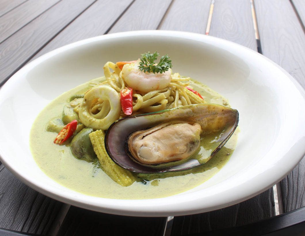Green Curry Seafood Pasta