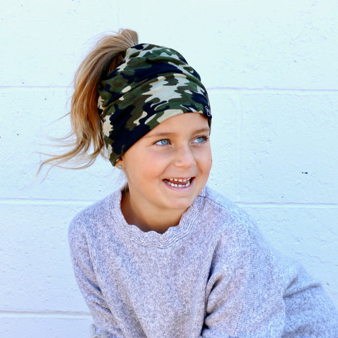 Pretty Simple - Green Camo Peek-a-Boo Beanie, Child