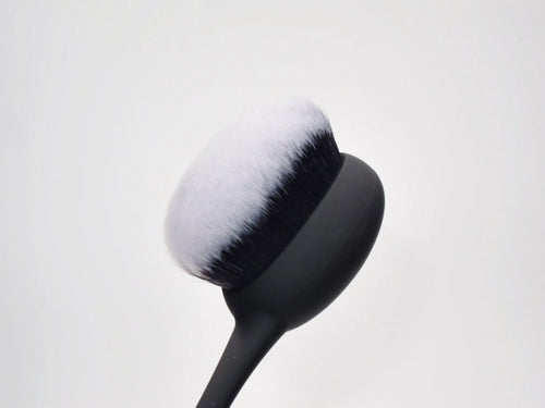 Real Techniques blending plus blur Cheek Brush