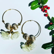 Load image into Gallery viewer, Maria Celeste  Hoops Flower Beige