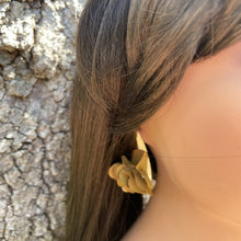 Load image into Gallery viewer, Fabric earrings *Gold*