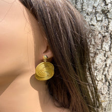 Load image into Gallery viewer, Capim Dourado Two  lazos Earrings