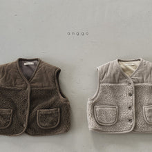 Load image into Gallery viewer, Teo Sherpa Vest