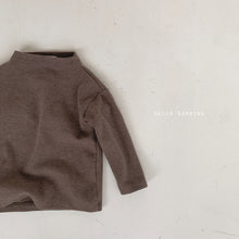 Load image into Gallery viewer, Urban half Turtleneck Tee