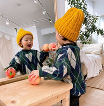 Load image into Gallery viewer, Twist Knit Beanie - OYlalakids
