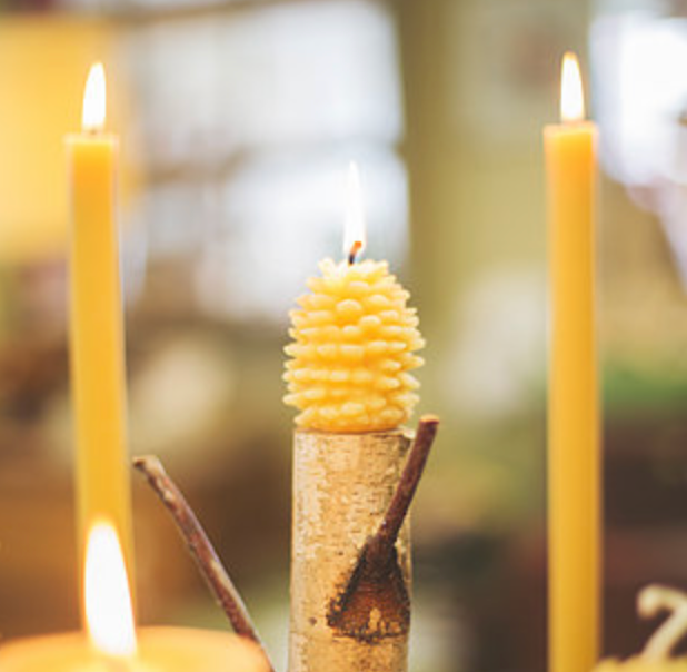 Solid Beeswax Pinecone Candle - Small