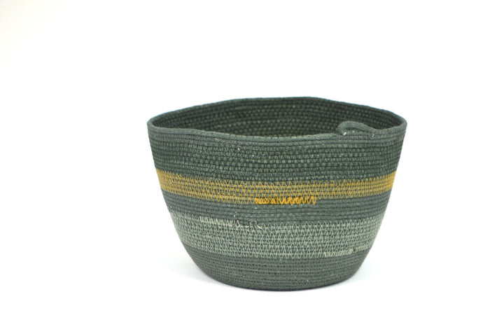 Small Woven Bucket Forest Green
