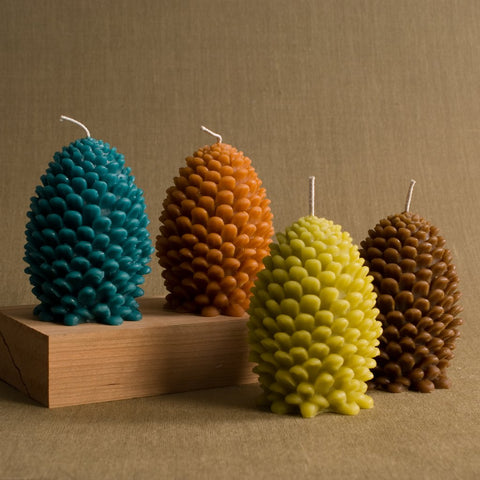 Jumbo Beeswax Pinecone Candle - Espresso Brown