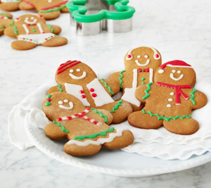 Gingerbread People DIY Baking Kit