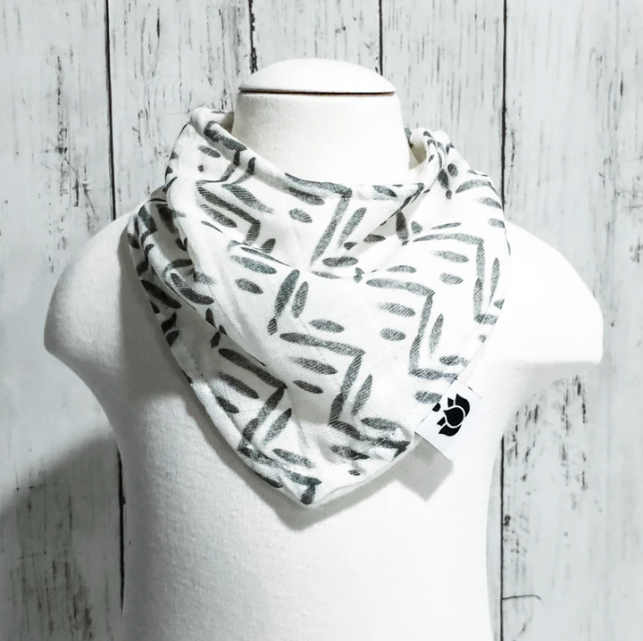 Organic Cotton Bib - Triangles