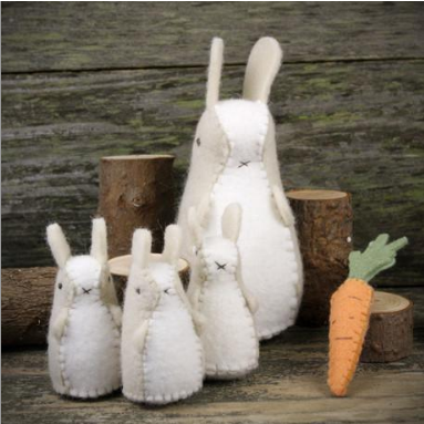Bunnies and Carrot Felt Set
