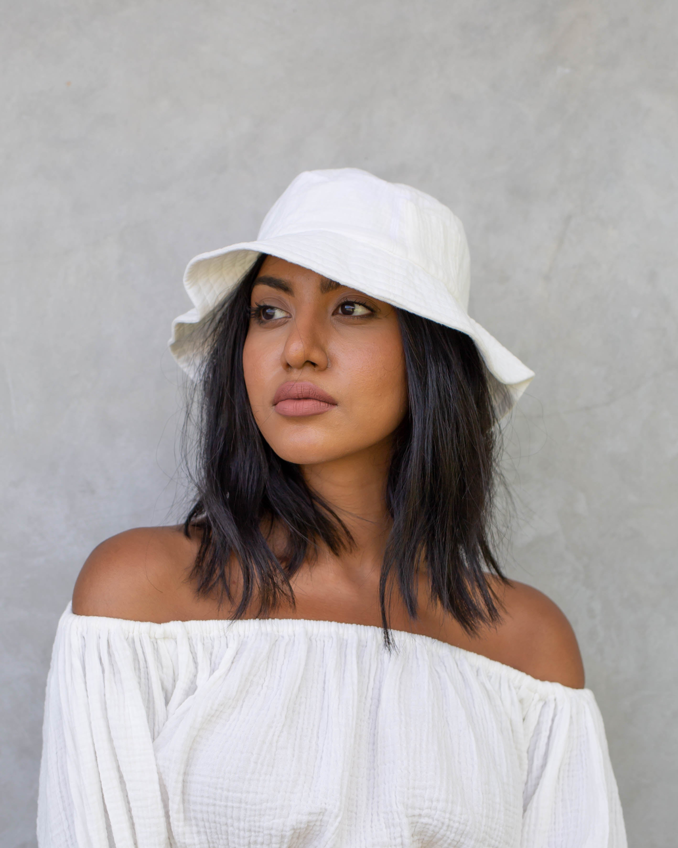 Elizabeth Bucket Hat in White