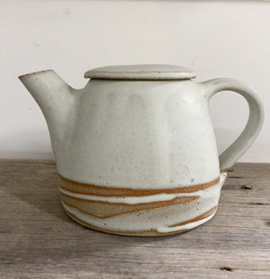 Open image in slideshow, The Kettle Tea Pot