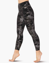 Load image into Gallery viewer, BEYOND YOGA FOIL FLORAL MIDI LEGGING