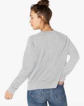 Load image into Gallery viewer, BEYOND YOGA FAVORITE RAGLAN CREW PULLOVER