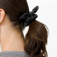 Load image into Gallery viewer, LULULEMON UPLIFTING SCRUNCHIE - CAMO BOW