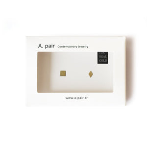 A. pair Earrings - 10K Gold - Square/Diamond