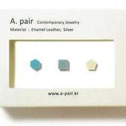 A. pair Earrings - Grey/Blue/Ivory
