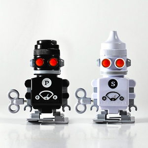 Suck UK Salt & Pepper `Bots