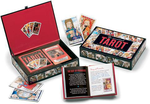 ESSENTIAL TAROT BOOK & CARD SET (includes Hanson-Roberts deck & Essential Book of Tarot; boxed)