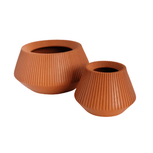 TIWI CERAMICS Ribbed Pot Clay