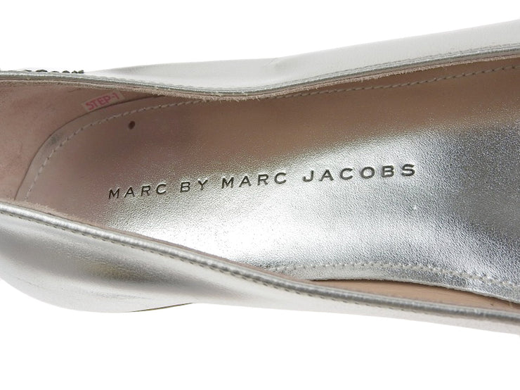 【WEEKLY SALE!パンプス・サンダル15%OFF!!】綺麗【MARC BY MARC JACOBS マークバイマークジェイコブス】アニマルモチーフ パンプス メタリックレザー シルバー 36 1/2 [20190924]【中古】