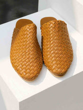 Load image into Gallery viewer, SATARA WOVEN MULES
