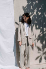 Load image into Gallery viewer, Linen blazer in natural color