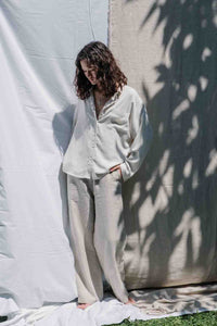 Long sleeve relaxed fit classic button up top from linen and responsibly harvested rayon