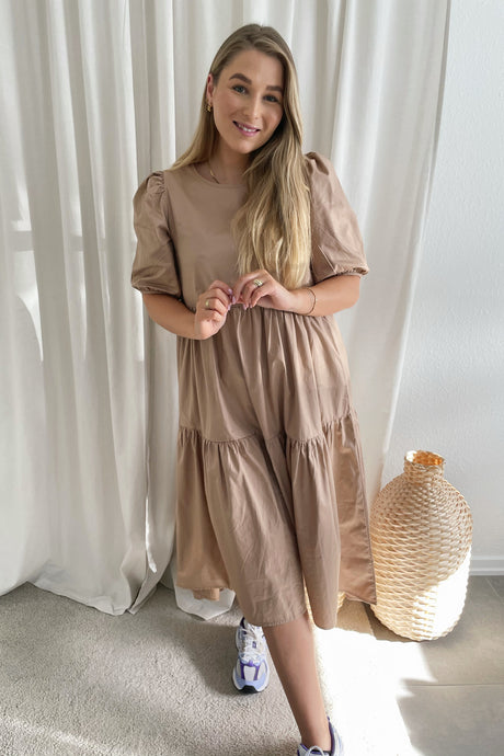 Donna 2/4 Dress (Preorder del. week 14) - Beige