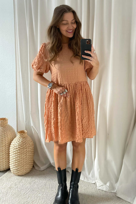 Nimmer 2/4 Dress - Peach
