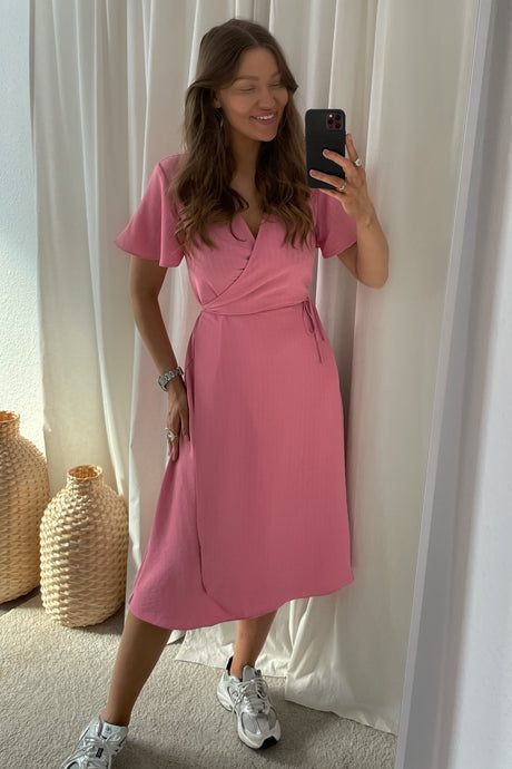 Lovie S/S Wrap Midi Dress (Preorder del. week 14) - Pink