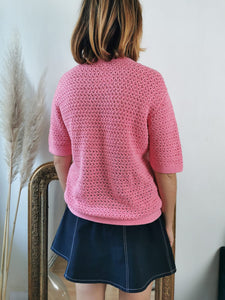 Adorable gilet en crochet rose