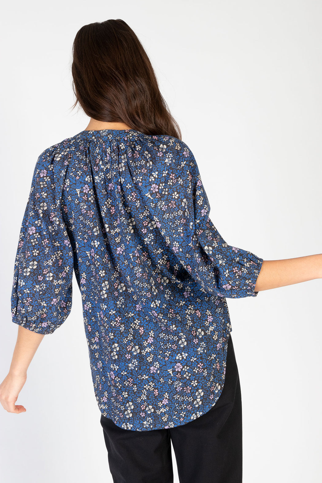 Apiece-Apart-Mitte-Top-Royal-Floral-Navy