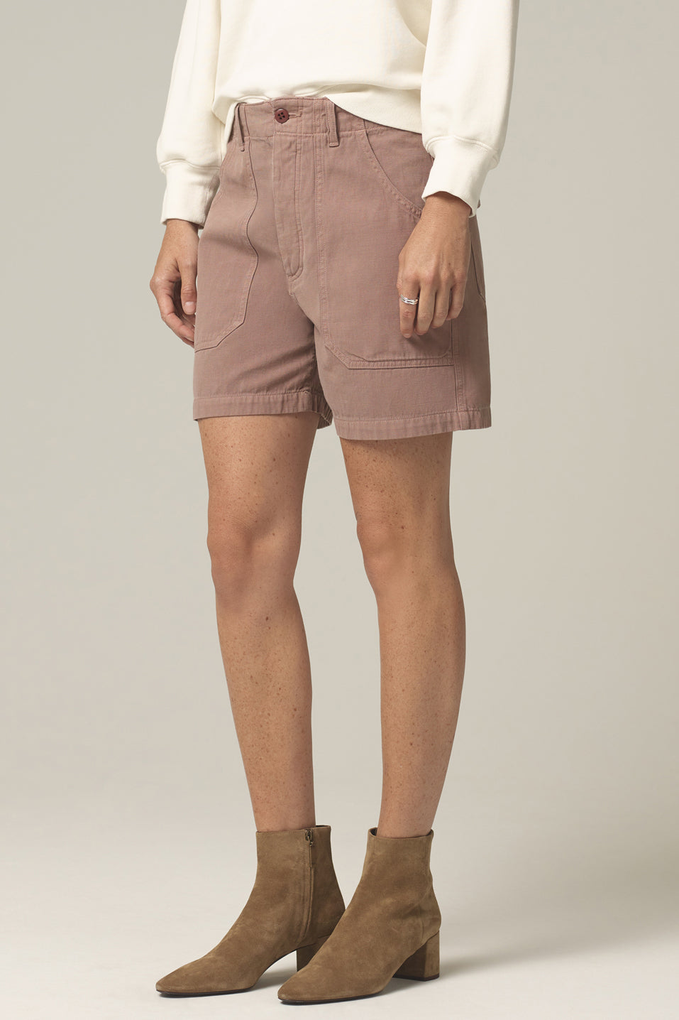 Citizens of Humanity Madeline Relaxed Patched Pocket Short in Redwood