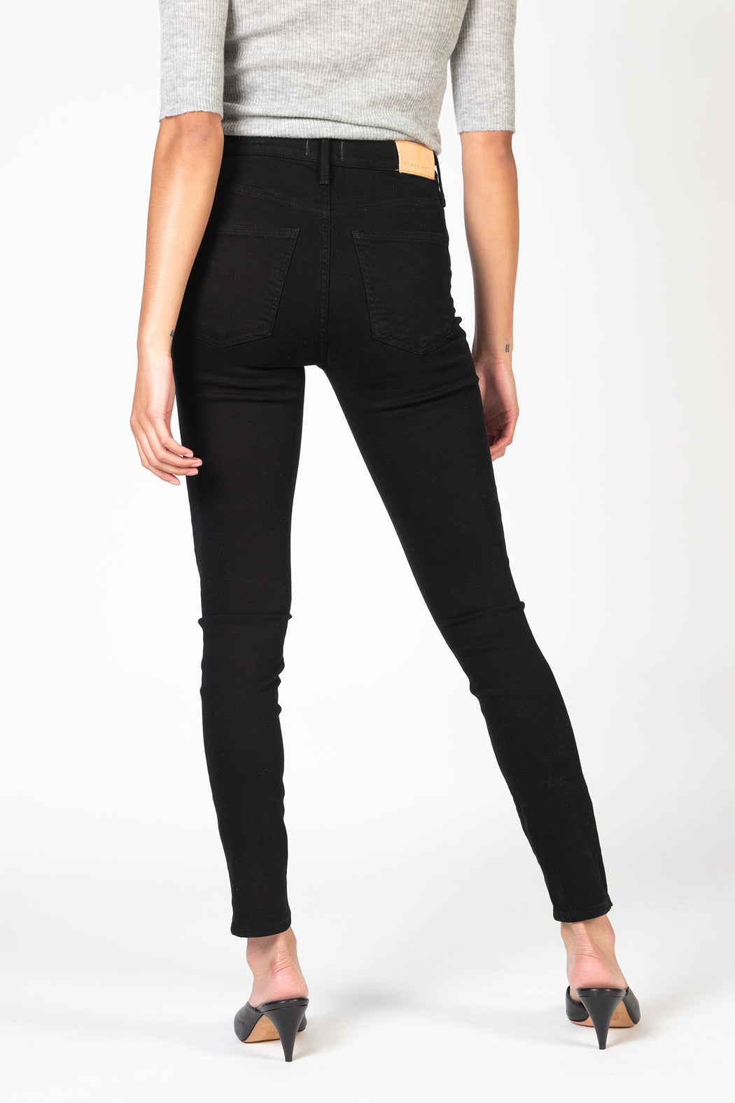 Citizens-of-Humanity-Rocket-Crop-Mid-Rise-Skinny-Fit-Plush-Black