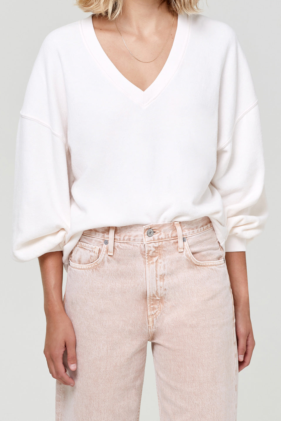 Citizens-of-Humanity-Vivienne-V-Neck-Sweatshirt-Creampink