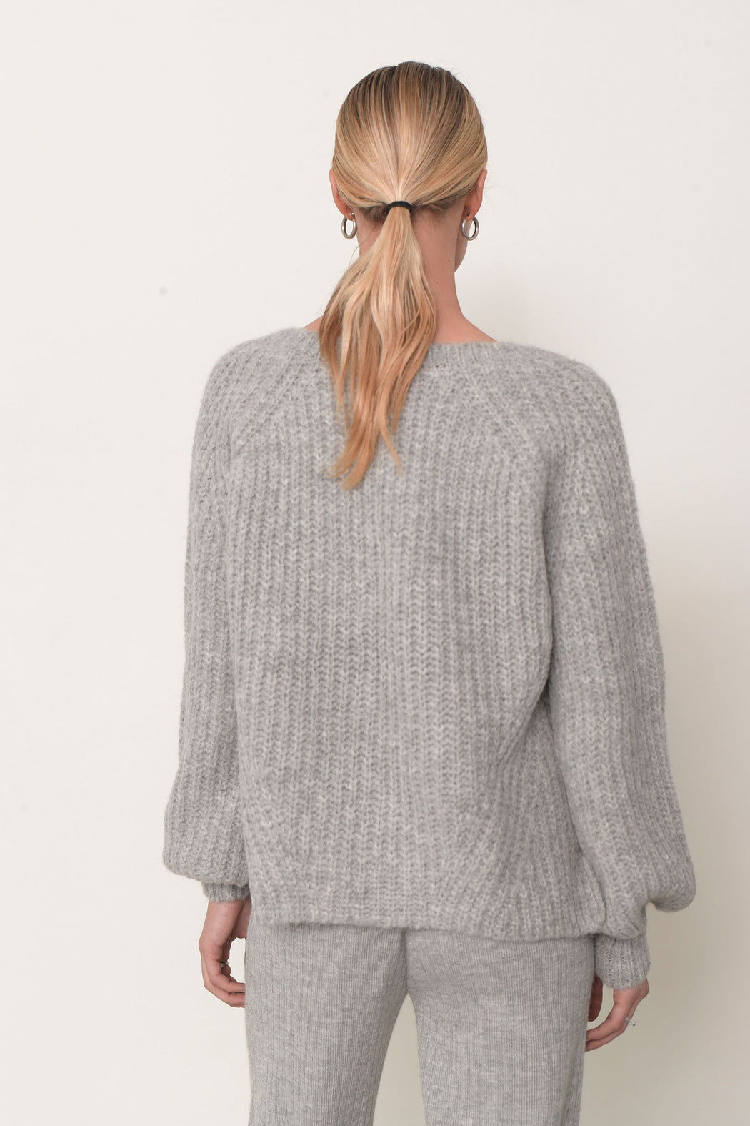 Eleven Six Tess Vneck Sweater Pale Grey