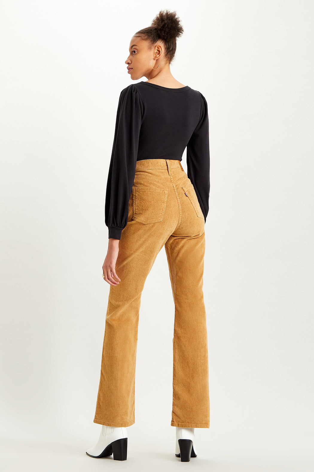 Levi's-Ribcage-Bootcut-Corduroy-Pant-Iced-Coffee