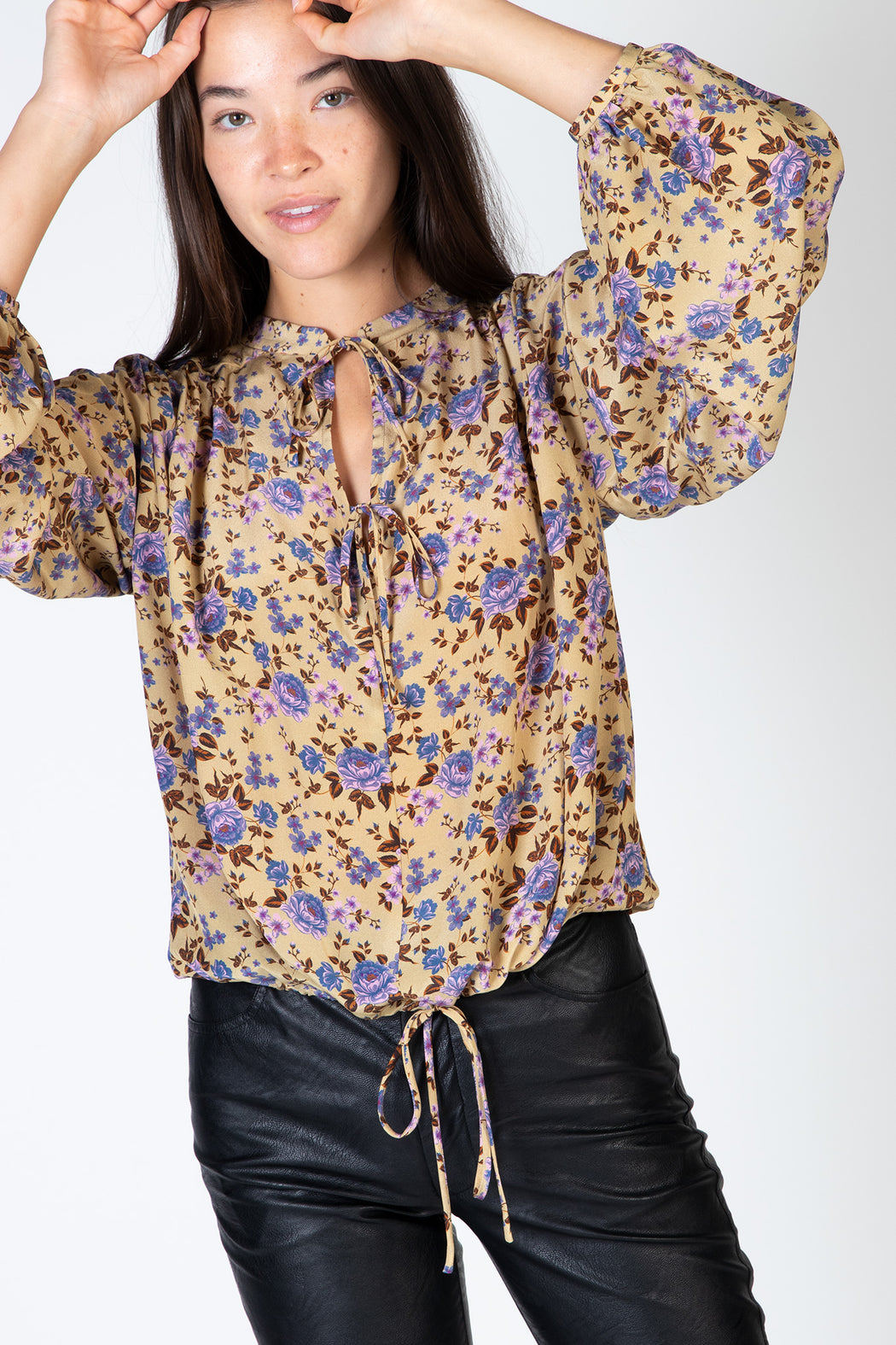 No.6-Hanna-Top-Camel-Bouquet