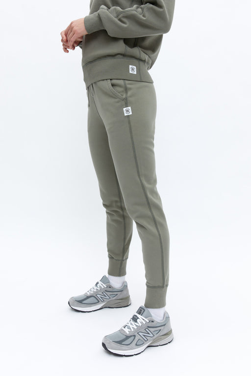 Reigning Champ Midweight Slim Sweatpant in Sage