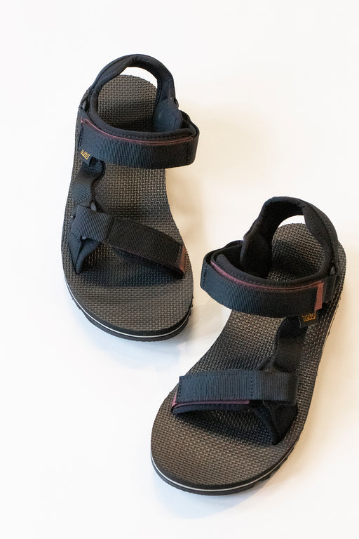 Teva's Universal Trail Sandal in Black