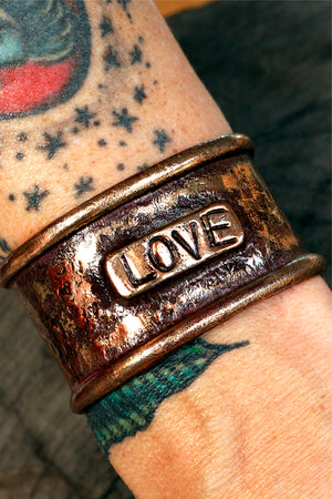 Load image into Gallery viewer, LOVE CUFF BRACELET
